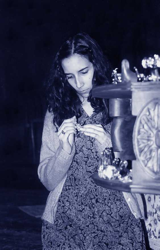 character amanda wingfield glass menagerie The glass menagerie: memory and guilt about to direct the glass menagerie by tennessee williams amanda wingfield.